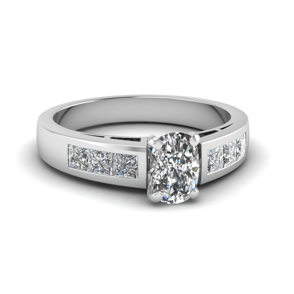 Beautiful Cushion Cut Diamond Accents Engagement Ring